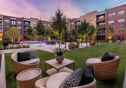 The Prestige City Avalon Park Lawn Area