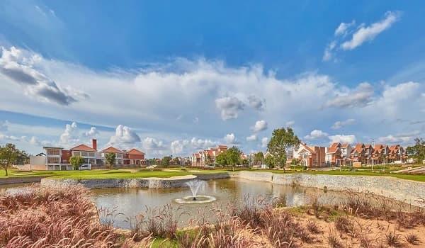 Plot vs Villa investment in Bangalore